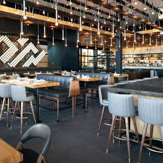 Earls Kitchen + Bar - Dadeland
