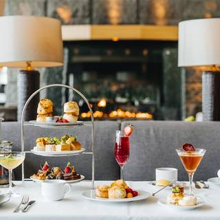 Afternoon Tea at Globe – Fairmont YVR