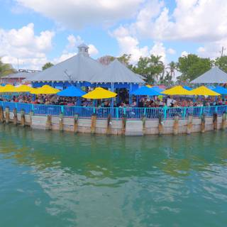 Island Gypsy Cafe & Marina Bar