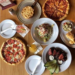 Detroit District - Mike's Pizza Bar