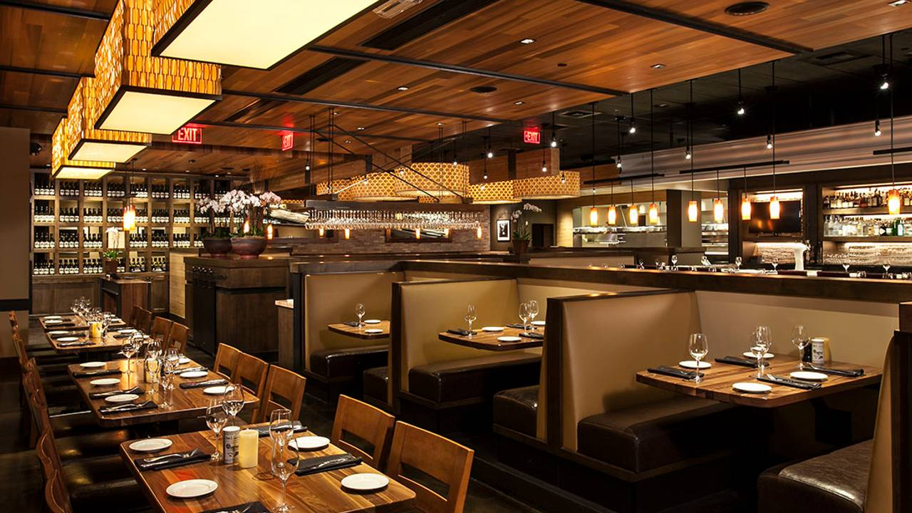 Paul Martin's American Grill - Mountain View Restaurant