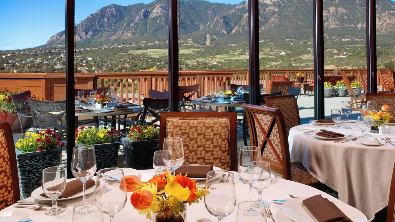 Mountain View Restaurant At Cheyenne Colorado Springs A Dolce Resort