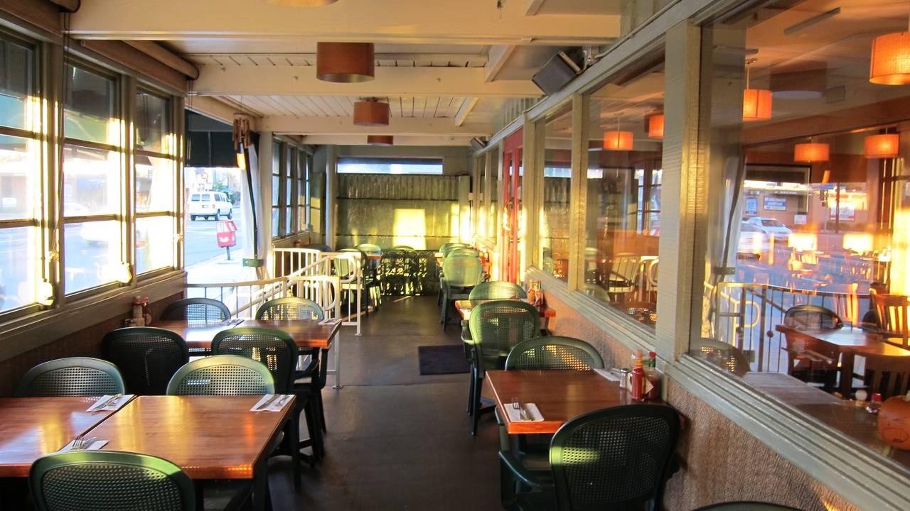 Hugo\'s Studio City Restaurant - Studio City, CA | OpenTable