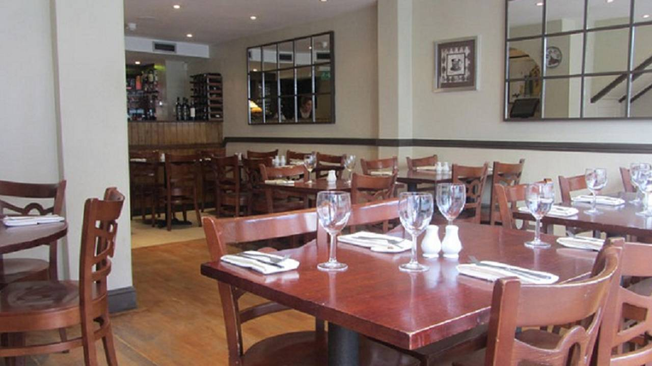 Prima Fila Restaurant Walton On Thames Surrey Opentable