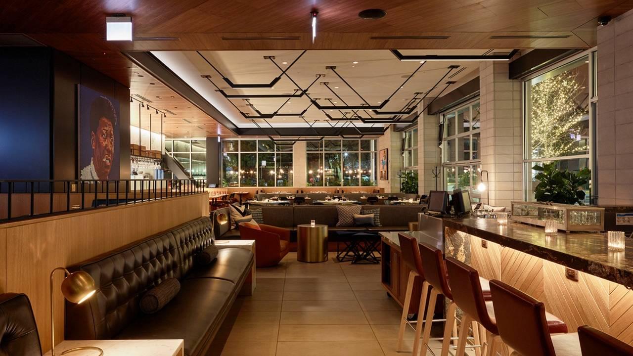 Earls Kitchen Bar Lincoln Park