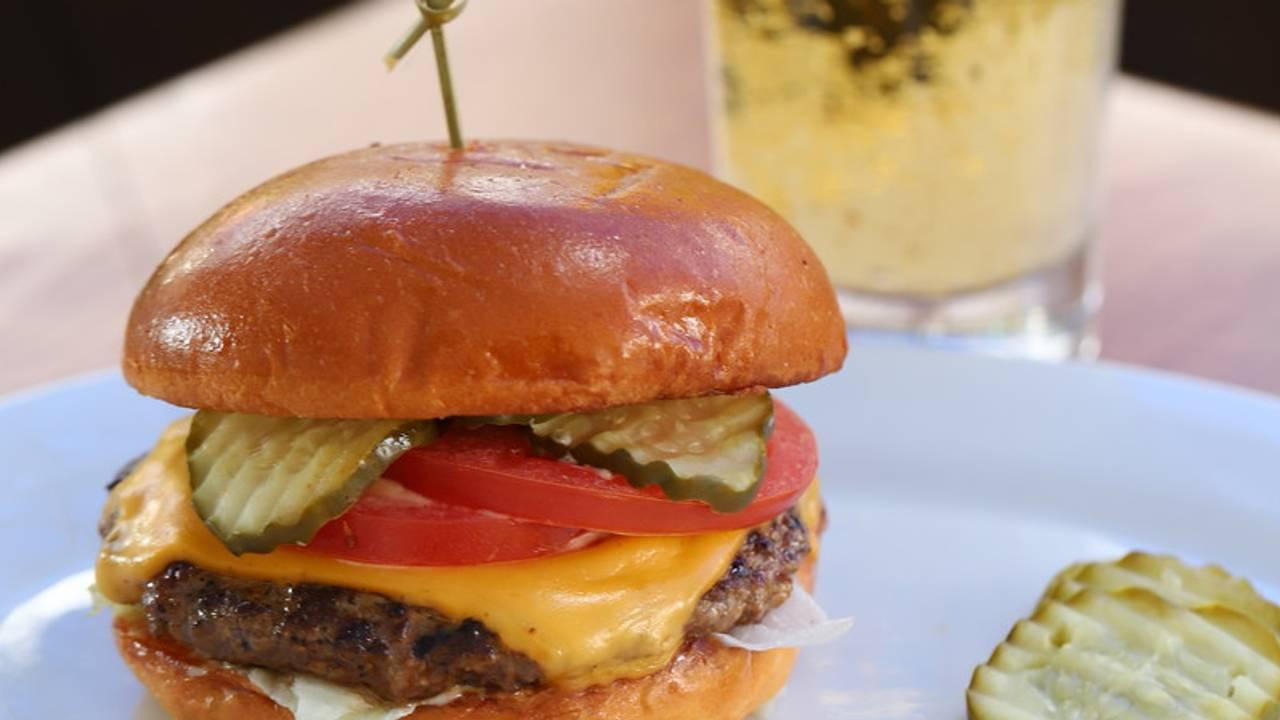 Zinburger Wine And Burger Bar Tucson River Restaurant