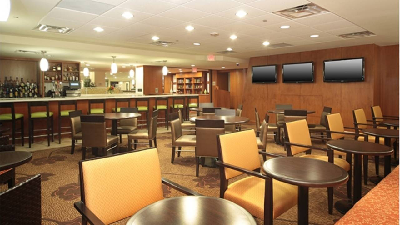 Garden Grille & Bar - Hilton Pittsburgh Restaurant - Pittsburgh, PA ...