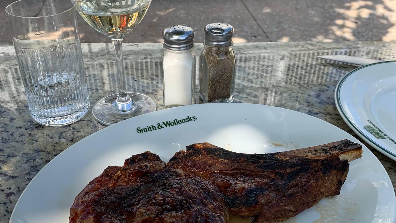 Smith & Wollensky Steakhouse - Miami Restaurant - Miami Beach, FL ...