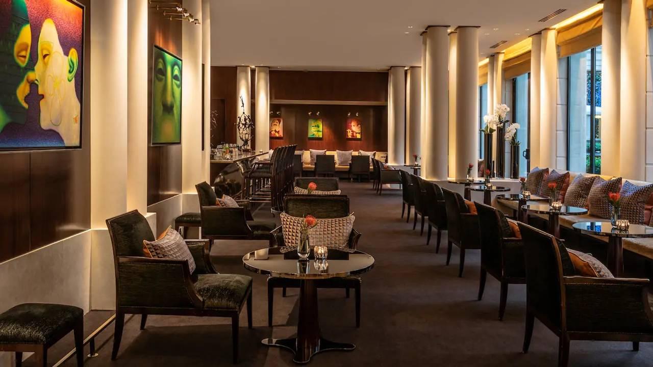 Le Cedre Rouge Paris 16 le bar at park hyatt paris-vendôme restaurant - paris, paris