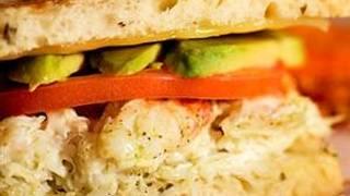Duke's Seafood & Chowder - Green Lake