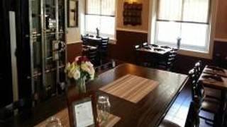 Twelves Grill & Cafe