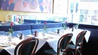 Motcombs - Brasserie & Bar