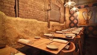 Akiko's Restaurant & Sushi Bar