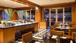 The Promenade Café - Hyatt Hotel Canberra