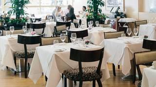 Harlequin Restaurant @ Kingsway Hall Hotel