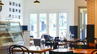 Maison Parisienne - French Café