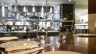 Petrus - Kitchen Table