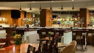 Crescent Kitchen DoubleTree Bloomington