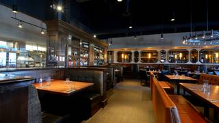 Earls Kitchen + Bar - 170th Street - Edmonton