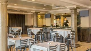 Brock's Restaurant & Bar - DoubleTree Gilbert