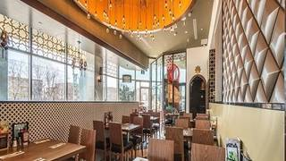 Paramount Middle Eastern Cuisine - Shops at Don Mills