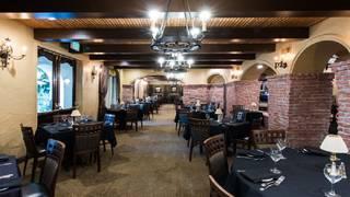 Hamilton's Steakhouse - Radisson Hotel Covina