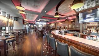 Waxy's Irish Bar + Kitchen - Kingston