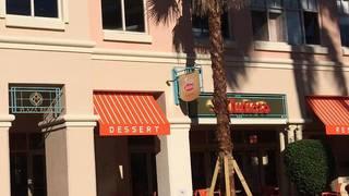 Juniors Restaurant and Cheesecake