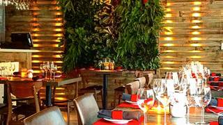 Lola Restaurant & Grill - Lincoln Rd.