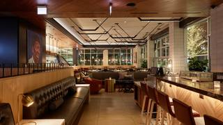 Earls Kitchen + Bar - Lincoln Park