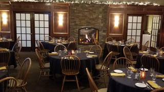 Ellden's Grill & Banquet - River Oaks Golf Club