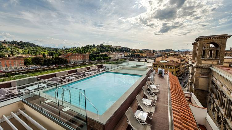 Empireo Rooftop Pool American Bar By Hotel Lucchesi