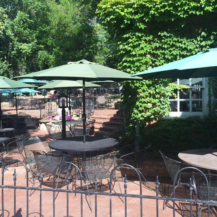 Restaurante Winery Of The Little Hills, Patio Furniture St Charles Mo