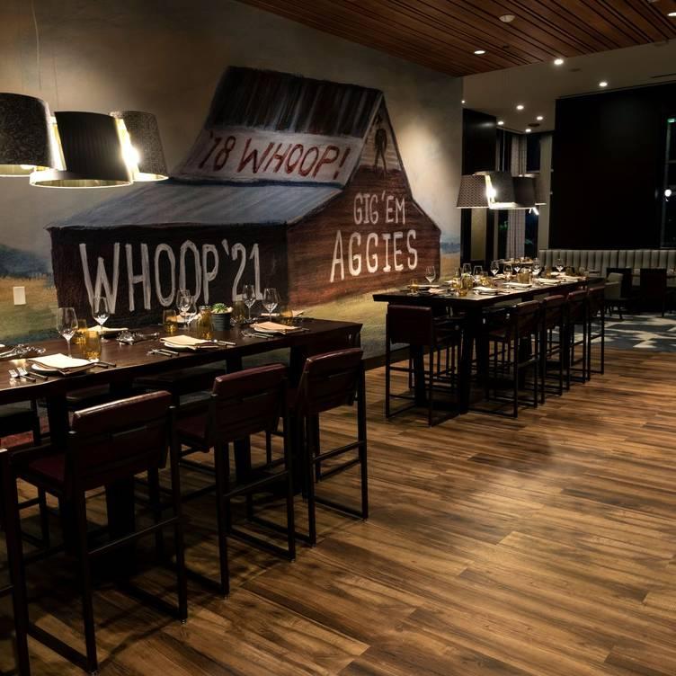 Desain Ruang Tamu Cafe  brazos proper texas kitchen restaurant college station tx