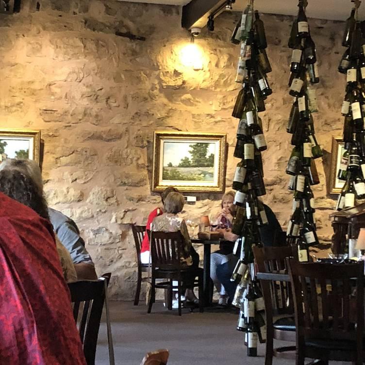 Eighteen Ninety Grille And Lounge Restaurant Granbury Tx