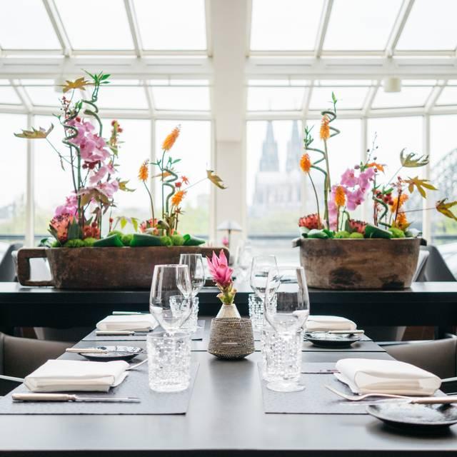 oasis restaurant k ln k ln k ln umgebung reztoran t rkiye. Black Bedroom Furniture Sets. Home Design Ideas