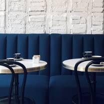 Petit Robert Bistro Columbus Avenue