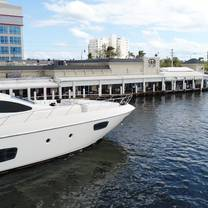 GG's Waterfront Bar & Grill