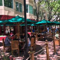 Clyde's of Reston