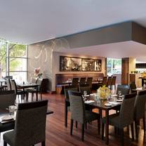 Essence on Exhibition @ Melbourne Marriott Hotel