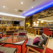 750 Restaurant & Bar
