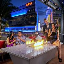 niXon Bar + Lounge