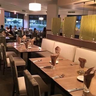 Roy S Waikoloa Bar Grill