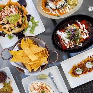 74 Restaurants Available Nearby