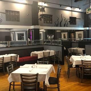 Waves Restaurant Lounge