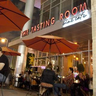 The tasting room uptown park